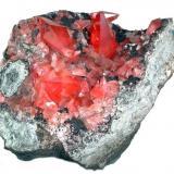 Rhodochrosite, fluorite. Uchucchacua Mine, Oyon Province, Lima Department, Peru 84 mm x 65 mm (Author: Carles Millan)