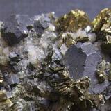 Galena y marcasita Sweetwater Mine, Ellington, Viburnum Trend District, Reynolds Co., Missouri, EEUU 9 x 5,5 x 4 cm. Detalle de la pieza anterior. (Autor: Antonio Alcaide)
