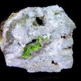 Rodalquilarita. Filón 340, Rodalquilar, Almería, Andalucía. 3x2,5x1,5 cm. Grupos de cristales de rodalquilarita en una oquedad de 1x0,6 cm. Col. y foto Nacho Gaspar. (Autor: Nacho)