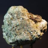 Apatito (var. Manganoapatito) - Fluorescente Gilsum, Cheshire Co, New Hampshire, EEUU 60x51x36 mm (Autor: Juan María Pérez)