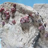 Cinabrio<br />Mina Escarlati, Puerto de las Señales, Maraña, Comarca Montaña Oriental, León, Castilla y León, España<br />13x11 cm<br /> (Autor: minero1968)