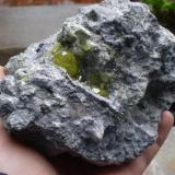 Azufre y celestina. El Aila,Laredo,Cantabria, España 11cm x 10cm cristal mayor 2cm (Autor: PabloR)