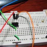 Protoboard con el optoacoplador CNY17-2 (Autor: Oscar Fernandez)