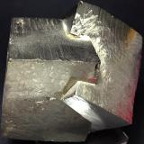 Pyrite Ampliación a Victoria Mine, Navajún, La Rioja, Spain 6 x 5 x 5 cm. Two pyrite crystals grouped in one single specimen. Both of the presents striated faces. (Author: supertxango)