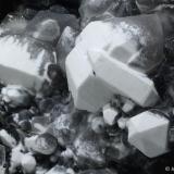 Cuarzo.  Cantera San José. Sierra Minera de Cartagena-La Unión. La Unión. Región de Murcia. España.   33x30 cm. Cristal mayor 6 cm. Recogida en 1992. (Autor: Juan Luis Castanedo)