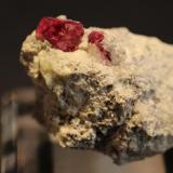 Beryl (var red Beryl) Violet Claims, Harris Claim, Beaver County, Wah Wah Mountains, Utah, USA 4 x 3 cm (Author: Don Lum)