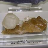 Calcita sobre Fluorita Mina Moscona, Solís, Zona Minera de Villabona, Corvera de Asturias, Asturias, España 9 x 7 cm (Autor: jaume.vilalta)