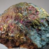 Calcopirita<br />Mines del Remei, La Castanya (Massís del Montseny), El Brull, Comarca Osona, Barcelona, Catalunya, España<br />73 x 60 x 42 mm<br /> (Autor: Joan Martinez Bruguera)
