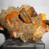Wulfenite, Descloizite Erupción-Ahumada mine,Sierra de los Lamentos, Ahumada, Chihuahua, México 100x85x90mm (Author: Carlos M.)