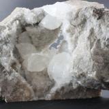 Calcita La Unión, Sierra Minera de La Unión-Cartagena, Murcia, España 145x80x35 mm Calcita en matriz de roca caliza (Autor: Carles)