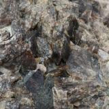 Axinita-(Fe)<br />Barranc de les Collades, Pantà d'Escales, Casterner de les Olles, Tremp, Comarca Pallars Jussà, Lleida/Lérida, Catalunya, España<br />90 x 55 x 45 mm<br /> (Autor: Carles)