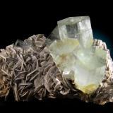 Berilo var. Aguamarina Gilgit, Pakistan 20x12cm, cristales hasta 5cm (Autor: Raul Vancouver)