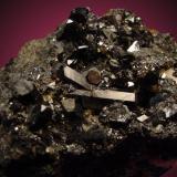 Allanita (La) Mina Nueva Vizcaya, Burguillos del Cerro, Badajoz, España 12x9cm, cristales hasta 3cm. (Autor: Raul Vancouver)