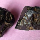 Augita Volcán Rocanegra, Santa Pau, Olot, Gerona, Cataluña, España 1,5 cm la pieza de mayor tamaño (Autor: Cristalino)