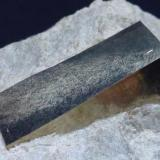Pirita Valdeperillo, La Rioja, España 6 x 5 cm. la pieza 2,5 x 1 x 0,8 cm. el cristal de Pirita  Detalle (Autor: javier ruiz martin)