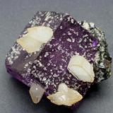Fluorite, calcite, sphalerite Denton Mine, Harris creek District of Hardin County, Illinois, USA 7 cm. (Author: vic rzonca)