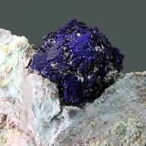 """Azurita Grupo minero """"San Telmo"""", Cortegana, Huelva, Andalucía, España Grupo de cristales de 1,5 x 1,2 cm. (Autor: Antonio Carmona)"""