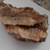 Cuarzo (geoda) con incrustaciones de calcedonia Majada redonda, Nijar, Almería, Andalucía, España 15cm x 7cm x x9cm (Autor: srm13151)