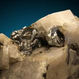 Carrolita, Calcita Kamoya Mine, Kambove, Katanga, Congo (Zaire) Detalle de los cristales (Autor: Raul Vancouver)