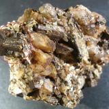 clorita pseudomórfica de cordierita Mines de Mont-Ras, la Selva. Girona. Cataluña. España 7 x 5 x 4 cm Primer punto de enfoque (Autor: Javier Rodriguez)