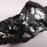 Hematites Taouz, Er Rachidia, Meknès-Tafilalet, Marruecos 6.2 x 3.1 x 2.7 cms Aspecto botroidal arriñonado. (Autor: antoniopedro)