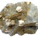 Fluorite, baryte (white), dolomite (brown) Tannenboden Mine, Wieden, Black Forest, Baden-Württemberg, Germany 9,5 x 7 cm (Author: Tobi)