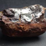 Carbonatofluorapatito Mina Elvira, Mines de Rocabruna, Bruguers, Gavà, Baix Llobregat, Barcelona, Catalunya 7 x 4 x 4 cm (Autor: karbu8)