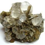 Fluorite, quartz Dal'negorsk, Primorskiy Kray, Far-Eastern Region, Russia Specimen size 8 cm, largest crystal 2 cm (Author: Tobi)