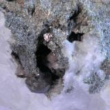 Monacita Barranc del Cargol , Arestui, Llavorsí, Pallars Sobirà, Lleida, Catalunya, España 10 x 9 x 5 -  cristal 0,7 cm detalle (Autor: Joan Niella)