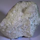 Analcima Roc de Sant Julià, Montardit de Dalt, Sort, Pallars Sobirà, Lleida, Catalunya, España 10 x 8 x 3 cm  - cristal 1,7 cm (Autor: Joan Niella)