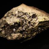 Epidota Mina Milucha, Burguillos del Cerro, Badajoz, Extremadura, España 20x14cm Con un cristal bitermando de 2cm en el medio. No esta mal para la localidad. (Autor: Raul Vancouver)