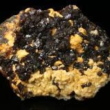 Esfalerita, Dolomita Mina Troya, Mutiloa, Guipuzcoa, España 16x12cm, cristales hasta 2cm (Autor: Raul Vancouver)