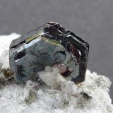 Ilmenita Hashobay Nala, Shigar, Skardu, Pakistán La pieza 5 x 4 cm.  El cristal aprox. 1 cm.  Detalle (Autor: javier ruiz martin)