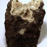Chabazita + natrolita + mesolita<br />Montaña Blanca-Pueblo de Agaete, Agaete, Gran Canaria, Provincia de Las Palmas, Canarias, España<br />56 x 41 x 33 mm.<br /> (Autor: José Luis Zamora)