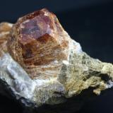 Grossularia (grupo Granate)<br />Pegmatita Dara-i-Pech , Distrito Chapa Dara, Provincia Konar, Afganistán<br />105mm - 51mm - 59mm<br /> (Autor: Pedro Naranjo)