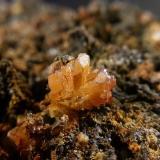 Cerusita<br />Mina Mineralogia, El Molar, Comarca Priorat, Tarragona, Catalunya, España<br />mismo cristal<br /> (Autor: Javier Rodriguez)