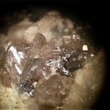 Cerusita<br />Mina Mineralogia, El Molar, Comarca Priorat, Tarragona, Catalunya, España<br />mismo cristal 30 aumentos<br /> (Autor: Javier Rodriguez)