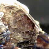 Zinnwaldita (serie Siderofilita-Polilitionita; grupo de las micas)Conselheiro Pena, Vale do Rio Doce, Minas Gerais, Brasil7 x 4,5 x 7 cm. (Autor: Felipe Abolafia)