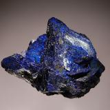 Azurite Chessy-Les Mines, Le Bois d'Oingt, Rhône, Rhône-Alpes, France 3.5 x 5.2 cm A group of bladed azurite crystals ranging in color from dark to bright blue. (Author: crosstimber)