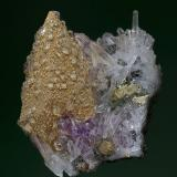 Calcite, Quartz, Chalcopyrite Djurkovo Mine, Laki, Rhodope Mts, Plovdiv Oblast, Bulgaria 5.6 x 3.3 cm (Author: am mizunaka)