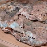 Calcita (variedad niquelífera)<br />Mina Solita, Peramea, Baix Pallars, Comarca Pallars Sobirà, Lleida / Lérida, Catalunya, España<br />6'' x 5''4 cm<br /> (Autor: phrancko)