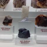 Barita<br />Mina Regia, Bellmunt del Priorat, Comarca Priorat, Tarragona, Catalunya, España<br />2 x 4 x 0.5 cm el cristal central<br /> (Autor: DavidSG)