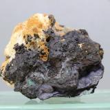 Heterogenita<br />Mina L'Etoile du Congo (Mina Estrella del Congo), Lubumbashi (Elizabethville), Cinturón de cobre de Katanga, Katanga (Shaba), Congo RD (Zaire)<br />36x34 mm.<br /> (Autor: Juan Espino)