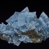 Barite, Pyrite, Fluorite<br />Moscona Mine, El Llano, Solís, Corvera de Asturias, Comarca Avilés, Asturias, Principality of Asturias, Spain<br />8.1 x 5.1 cm<br /> (Author: am mizunaka)