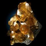Calcita<br />Mina Tonglüshan, Edong, Daye, Prefectura Huangshi, Provincia Hubei, China<br />13x10cm, cristales hasta 6cm en diagonal<br /> (Autor: Raul Vancouver)