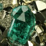 Beryl (variety emerald) and Pyrite<br />Chivor mining district, El Acuario Mine, Municipio Chivor, Eastern Emerald Belt, Boyacá Department, Colombia<br />Detail - xl length=6mm<br /> (Author: Fiebre Verde)