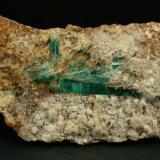 Beryl (variety emerald), Calcite, Albite<br />Kamar Safed outcrop (Kamar Saphed), Khenj emerald area,, Khenj District, Panjshir Province, Afghanistan<br />125x40x60mm, main xl=42mm<br /> (Author: Fiebre Verde)
