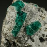 Beryl (variety emerald), Calcite, Pyrite<br />Chivor mining district, Municipio Chivor, Eastern Emerald Belt, Boyacá Department, Colombia<br />Detail<br /> (Author: Fiebre Verde)