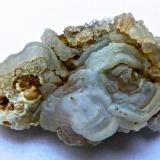 Cuarzo (variedad calcedonia)<br />Montaña Blanca-Pueblo de Agaete, Agaete, Gran Canaria, Provincia de Las Palmas, Canarias, España<br />5 x 3,5 x 3 cm<br /> (Autor: María Jesús M.)
