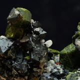 Epidota y magnetita<br />Minas de Cala, Cala, Comarca Sierra de Huelva, Huelva, Andalucía, España<br />Campo de visión de 5x4cm<br /> (Autor: Antonio Carmona)